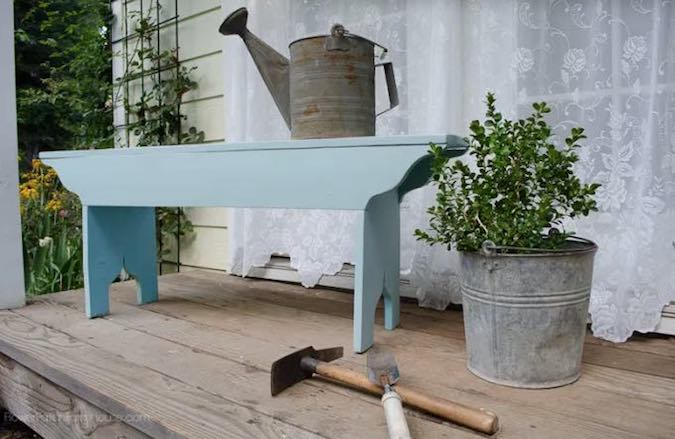 Free plans to build a Garden Bench.