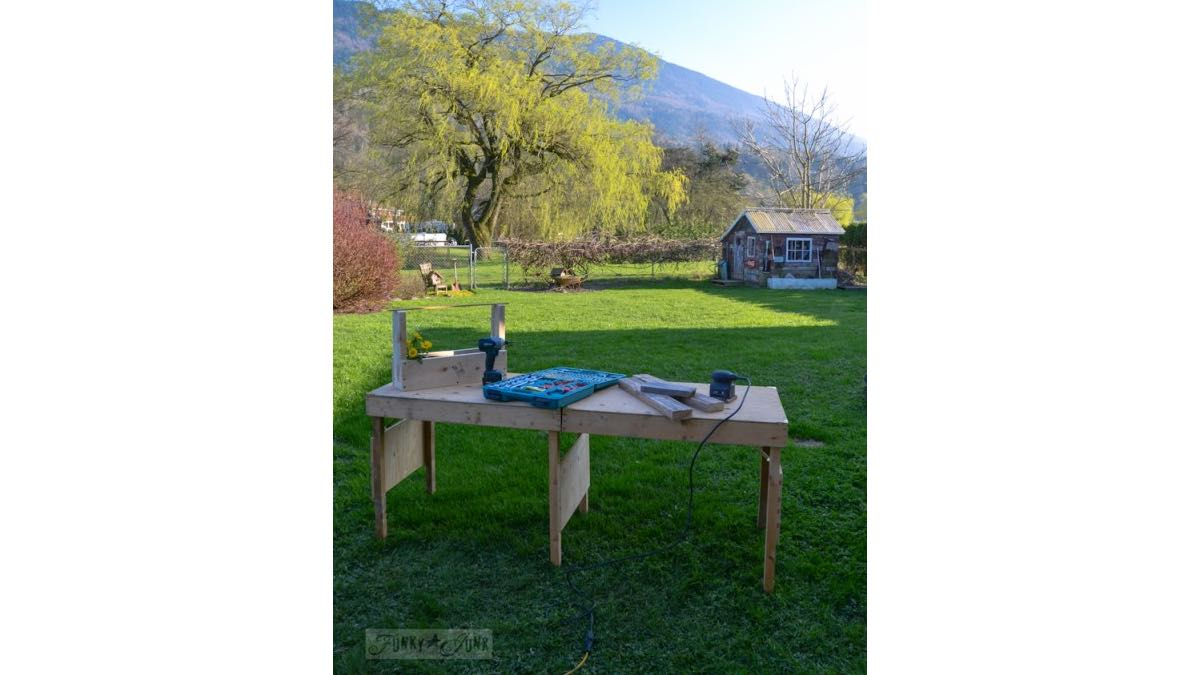 Free plans to how to DIY build a Portable Folding Workbench free project.
