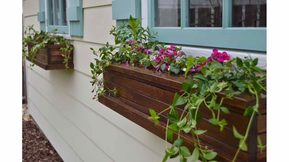 window boxes,planter boxes,diy,free woodworking plans,free projects,do it yourself