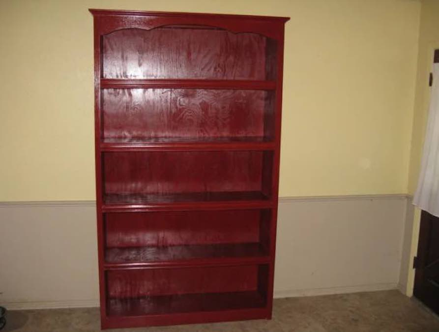 Free plans to build a Plywood Bookcase.