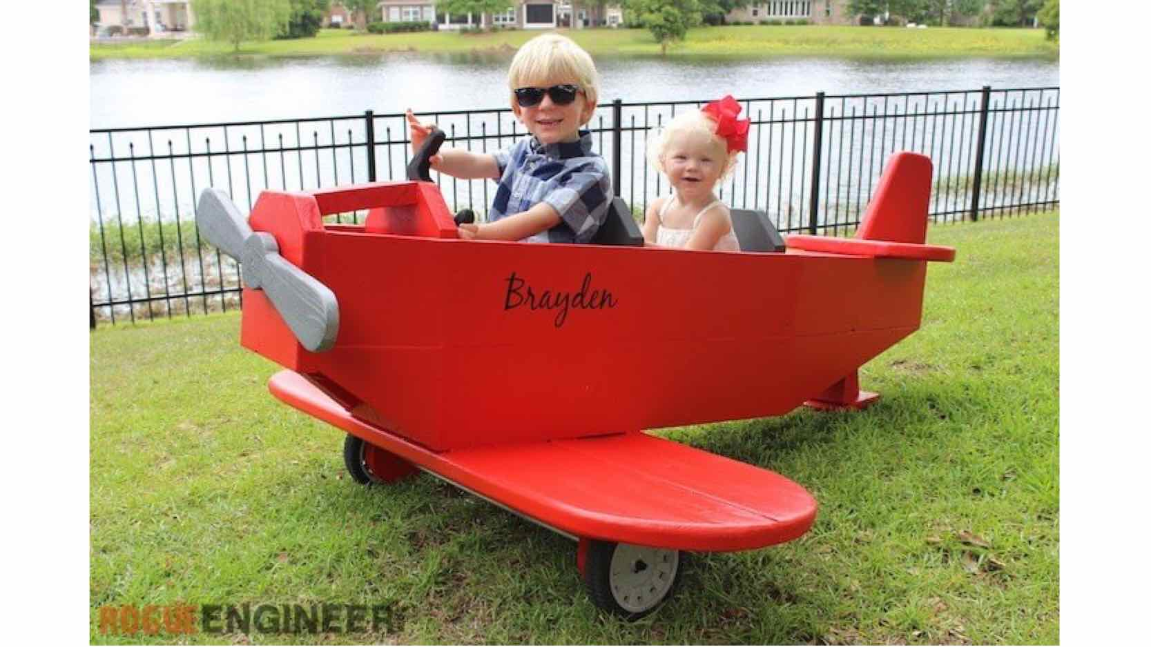 airplanes,toys,childrens,diy,free woodworking plans,free projects,do it yourself