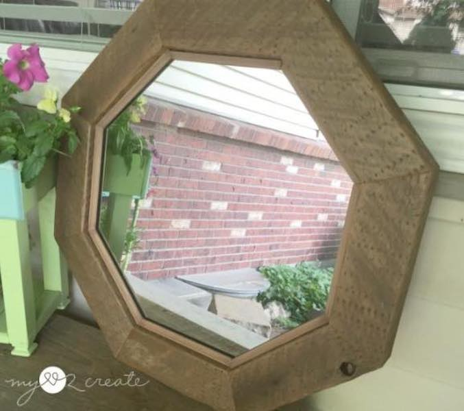 Free plans to build an Octagonal Mirror.