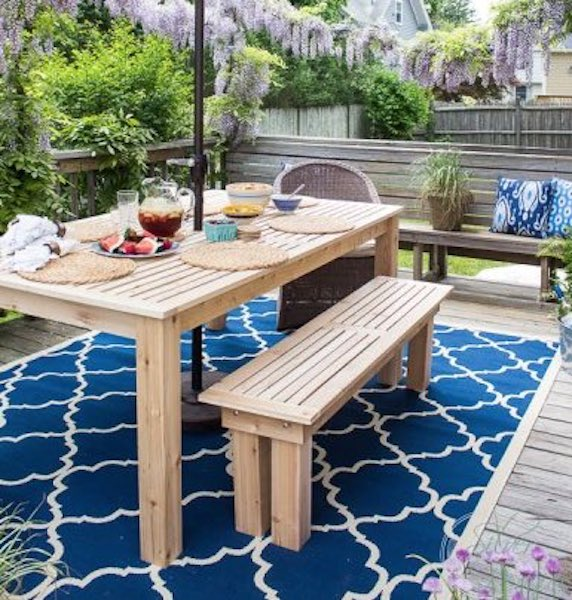 Free plans to build a Dining Table for Outdoors.