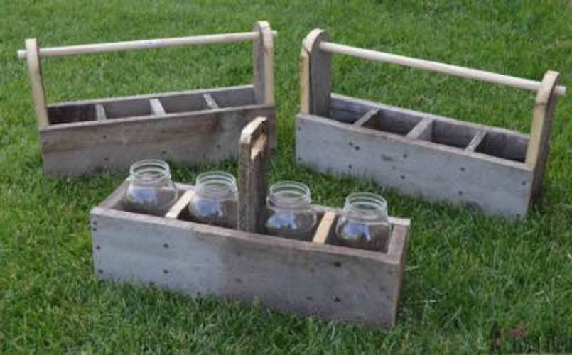 Free plans to build a Tool Box Caddy.