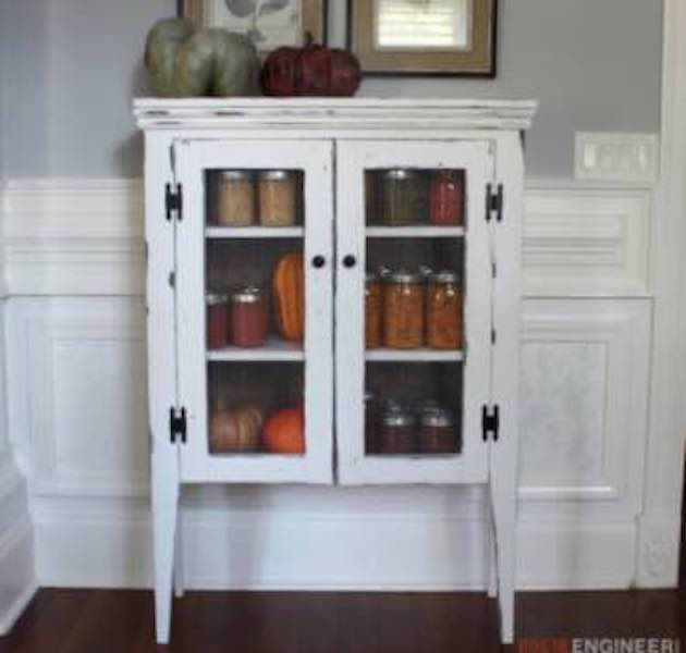 Free plans to build a Jelly Cabinet.