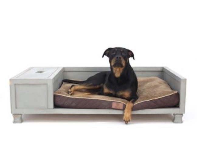 Free plans to build a Large Dog Bed.