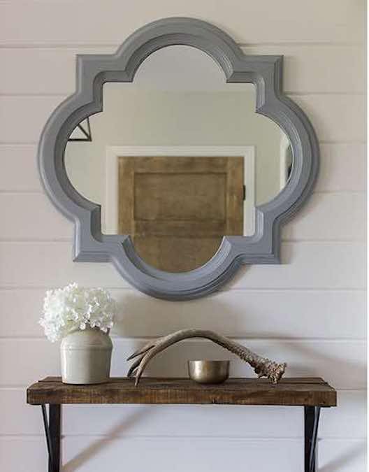 Free plans to build a DIY Mirror Using A Router .