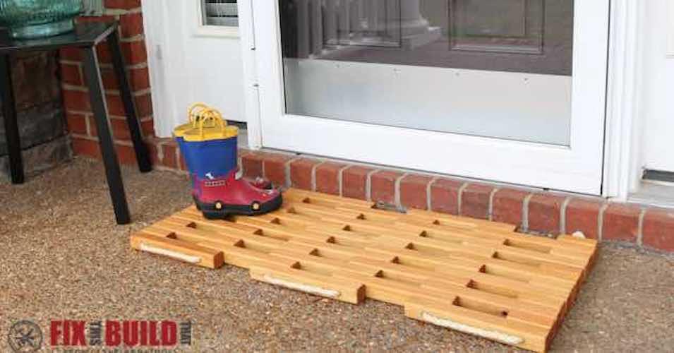 Free plans to build a Door Mat DIY.
