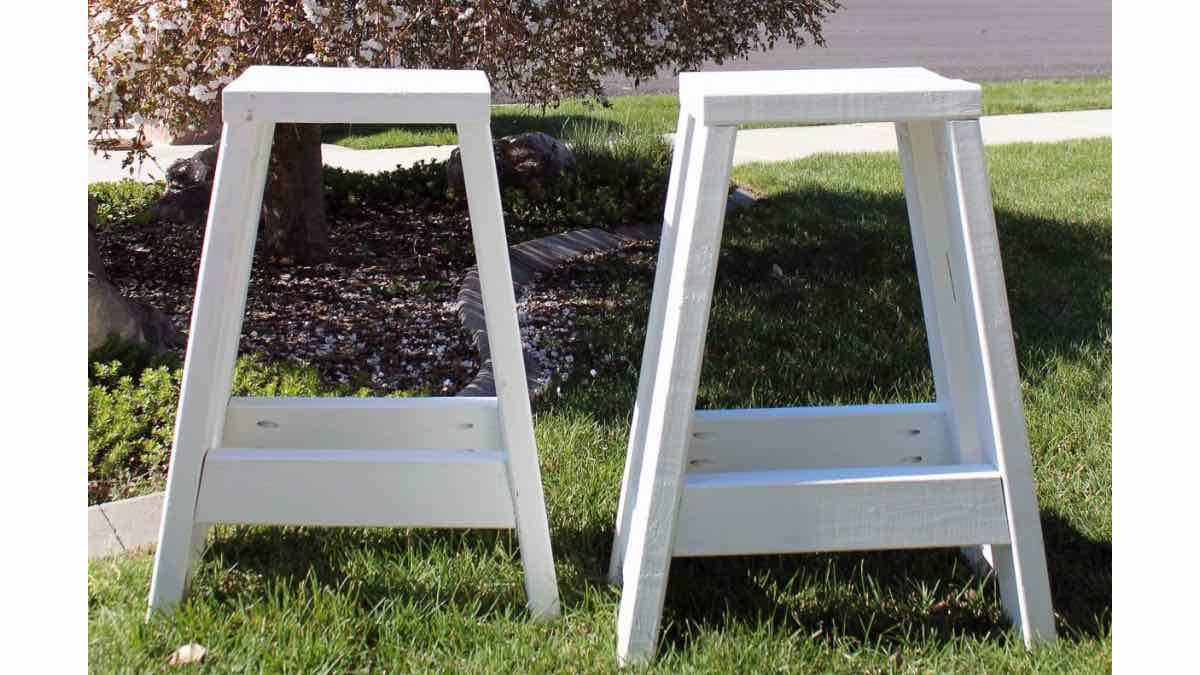 bar stools,diy,free woodworking plans,free projects,do it yourself