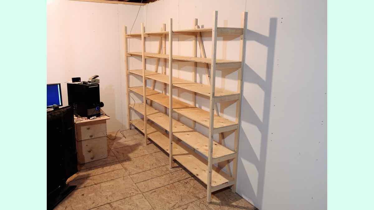 garage shelves,workshop shelves,basement storage shelves,diy,free woodworking plans,free projects,do it yourself