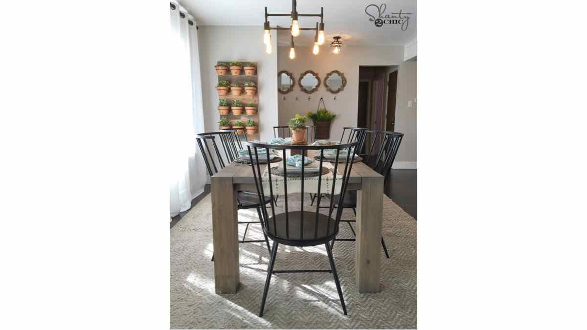 farmhouse tables,kitchen tables,dining room tables,diy,free woodworking plans,free projects,do it yourself