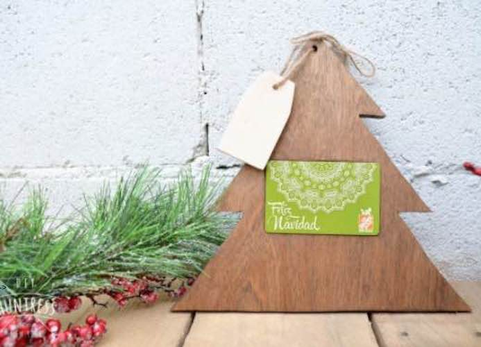 Build a Gift Card Holder using free plans.