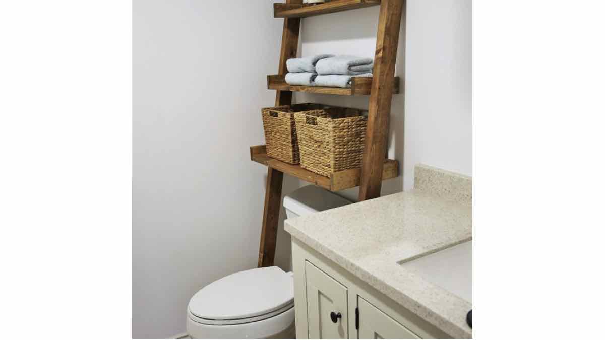 leaning shelves,ladder shelves,bathroom shelves,diy,free woodworking plans,free projects,do it yourself