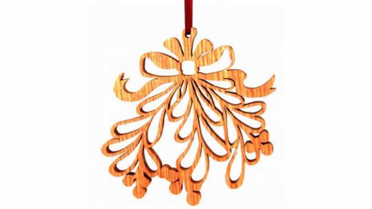 christmas,mistletoe,scroll saws,diy,free woodworking plans,free projects,do it yourself