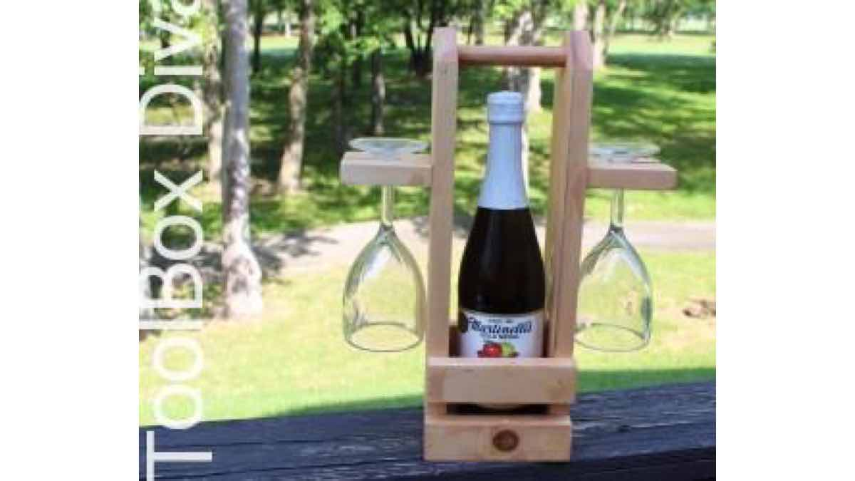 wine racks,wine caddy,wine totes,diy,free woodworking plans,free projects,do it yourself