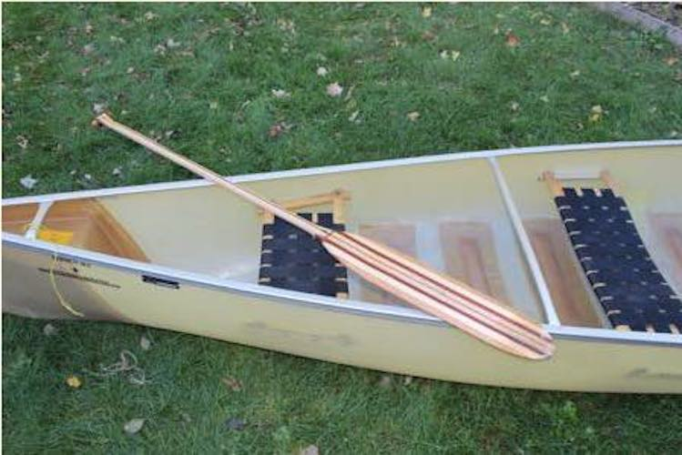 Free plans to build your own Canoe Paddle.