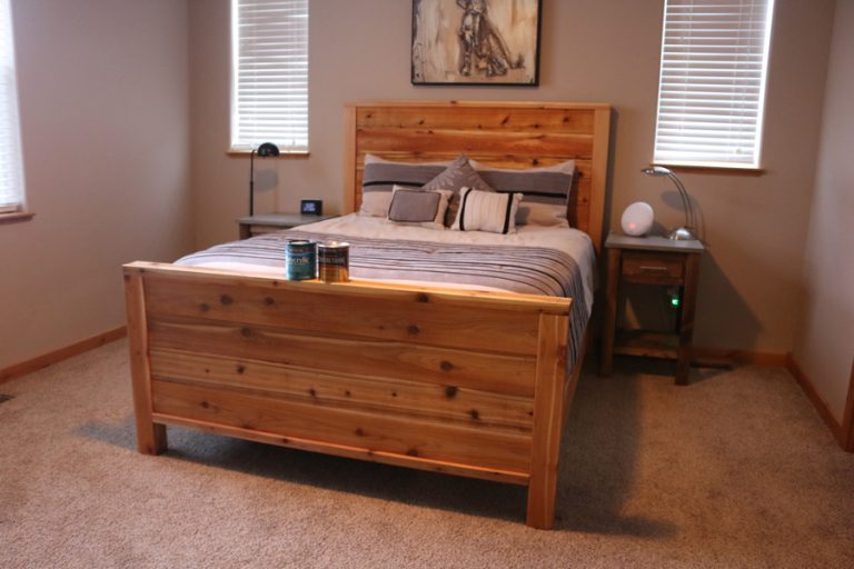 Free plans to build a Queen Size Bed.
