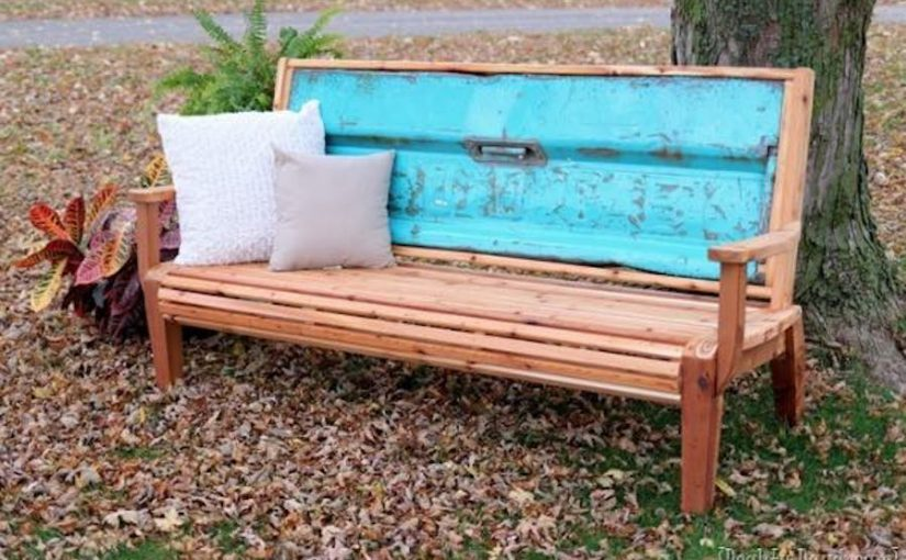 Free plans to build a Tailgate Bench.