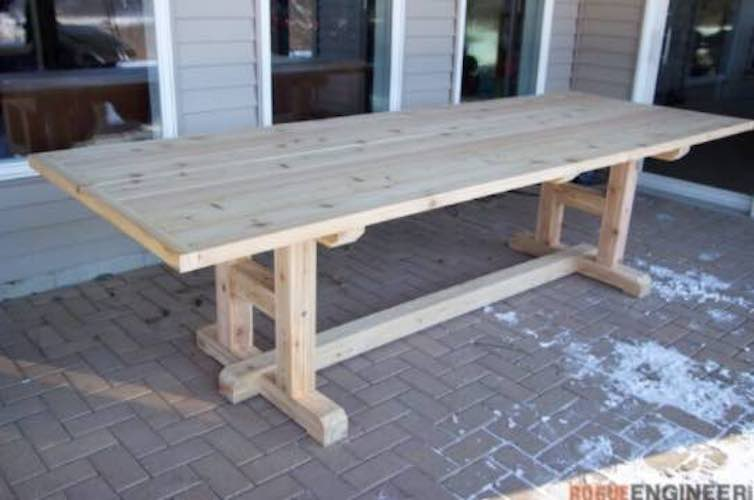 Free plans to build an H Leg Outdoor Dining Table.