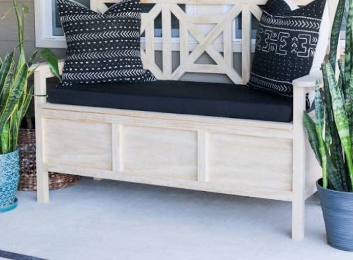 Free plans to build an outdoor Storage Bench.
