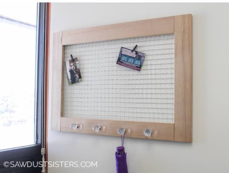 Free plans to build a Memo Board.