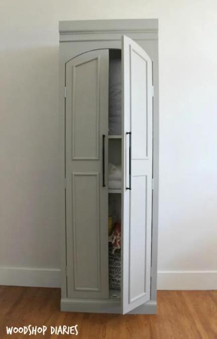 Free plans to build a Pantry Cabinet.