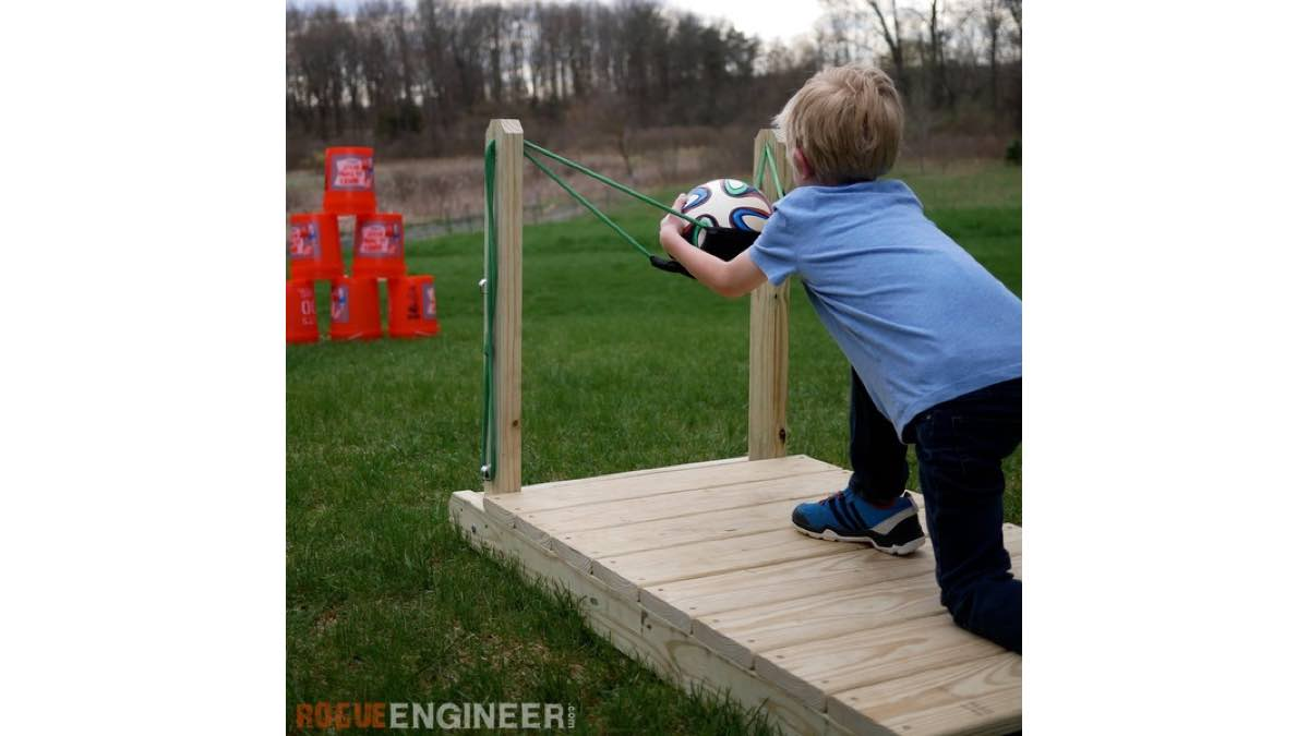slingshots,toys,games,outdoors,childrens,diy,free woodworking plans,free projects,do it yourself