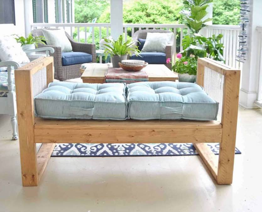 Free instructions to build a Rope Bench.