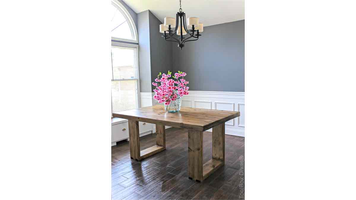 farmhouse,dining tables,furniture,diy,free woodworking plans,free projects,do it yourself