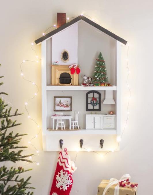 Free plans to build a Dollhouse Shelf.