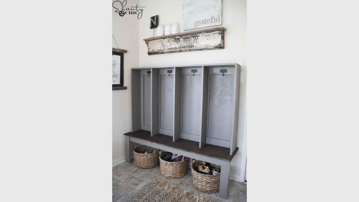 mudroom lockers,entryway lockers,storage,diy,free woodworking plans,free projects,do it yourself