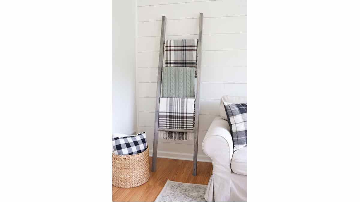 blanket ladders,wooden ladders,diy,free woodworking plans,free projects,do it yourself