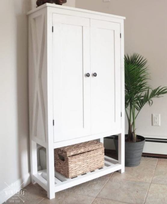 Free plans to build a Storage Cabinet.
