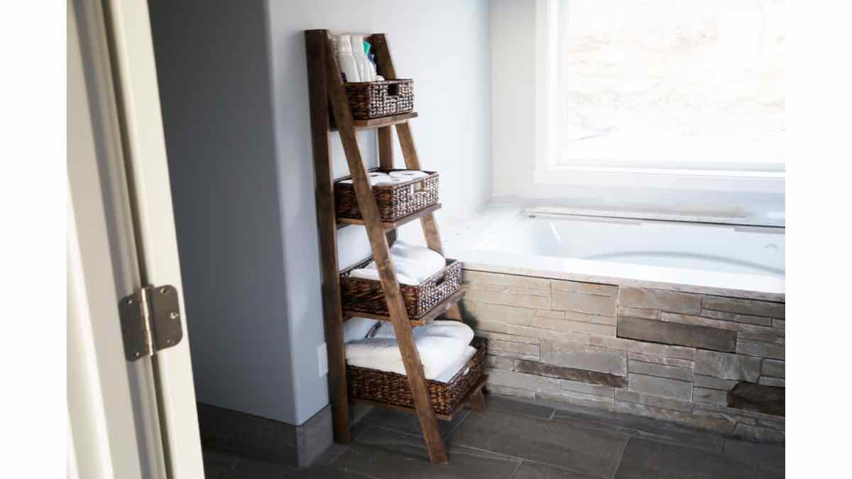 ladder shelves,diy,free woodworking plans,free projects,do it yourself