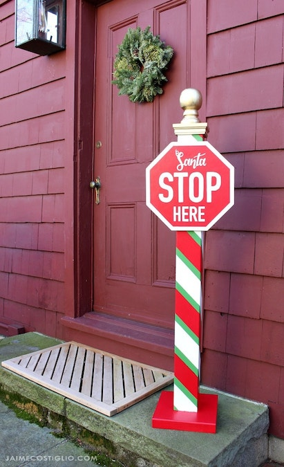 How to build a Santa Stop Sign Yard Art
