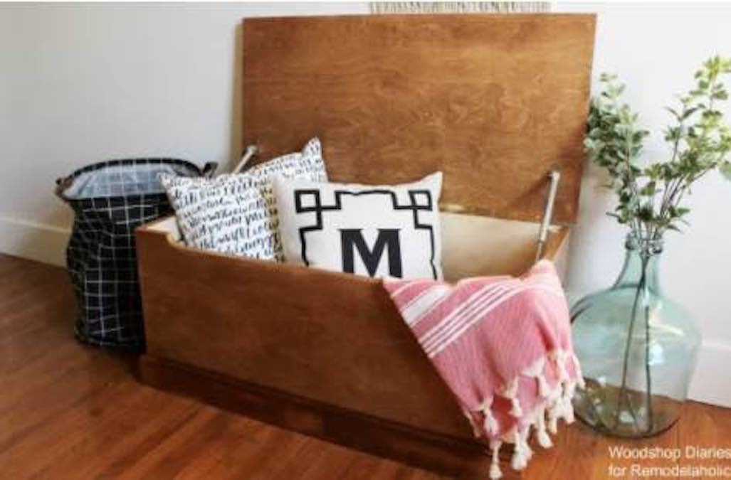 blanket chests,trunks,storage chests,toy chest,diy,free woodworking plans,free projects,do it yourself