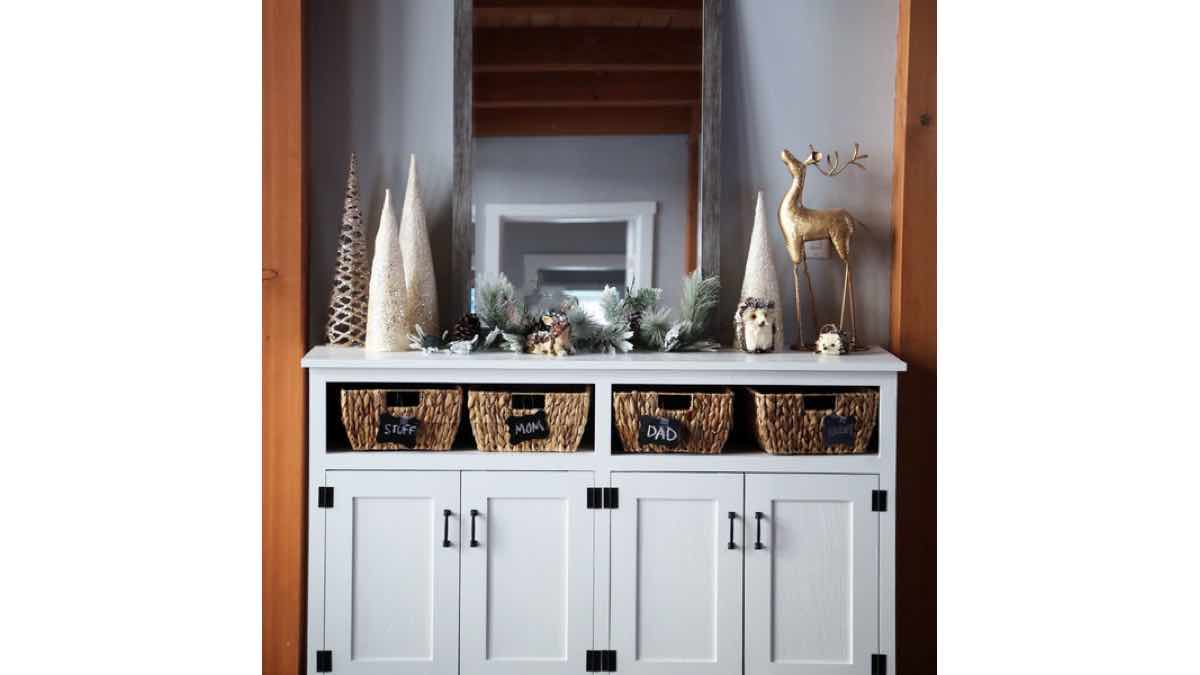 console cabinets,furniture,diy,free woodworking plans,free projects,do it yourself
