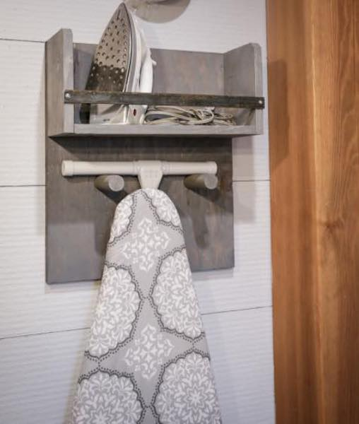Free plans to build an Ironing Board Holder.
