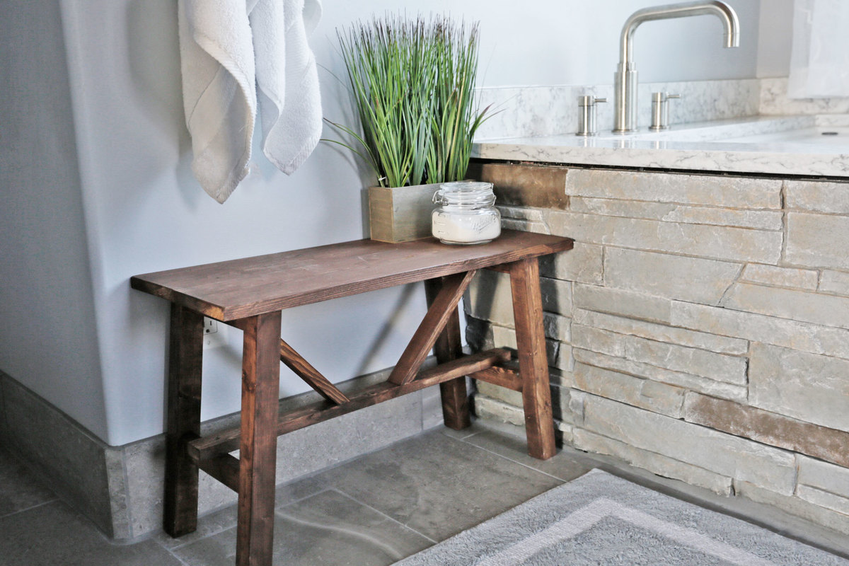 Free plan to build a Small Rustic Bench