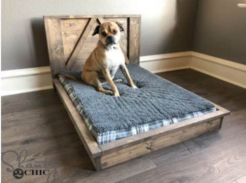 Free plans to build a Farmhouse Dog Bed.