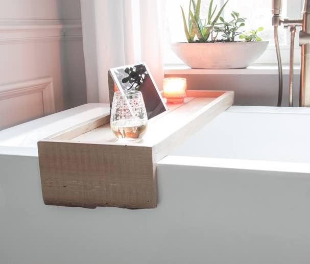 DIY Bathtub Tray free plans.