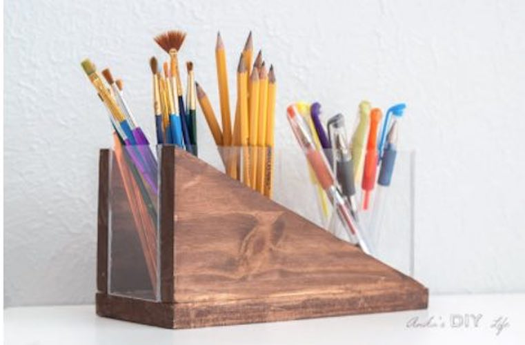 Free plans to build a Modern Pencil Holder.