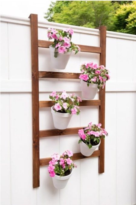 Free plans to build a Wall Planter Ladder.