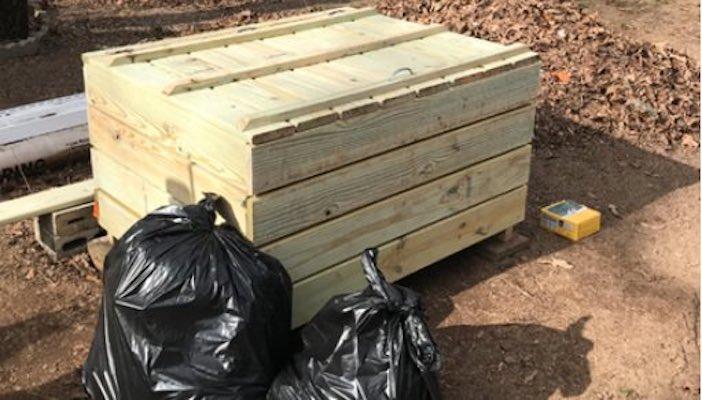 garbage bins,roadside garbage bins,trash bins,diy,free woodworking plans,free projects,do it yourself