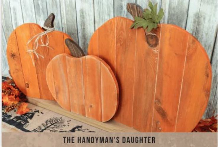 Free plans to build a Pallet Pumpkin Trio.
