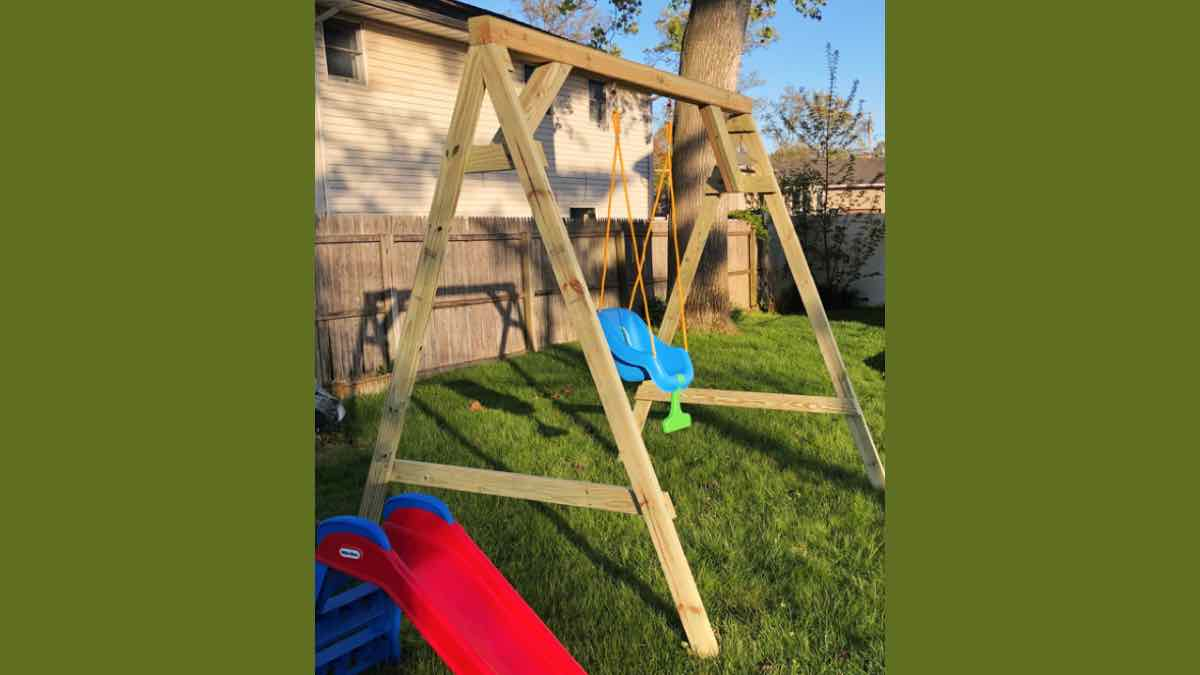 swings,swing sets,diy,free woodworking plans,free projects,do it yourself