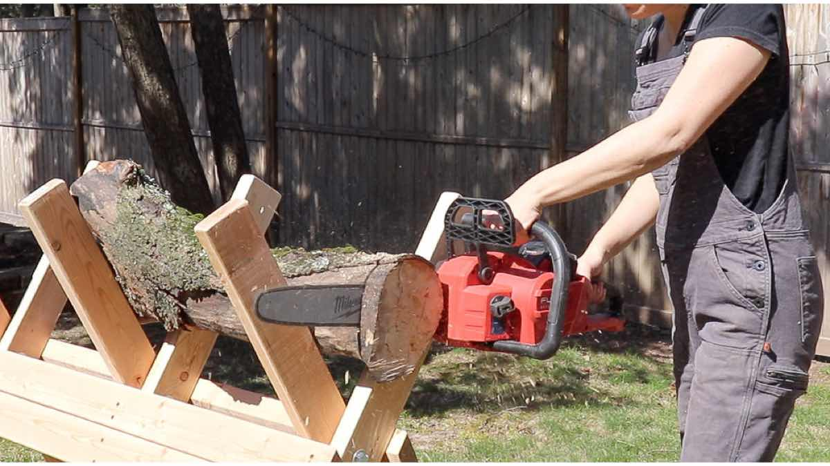 Free Plans to build a Sawbuck.