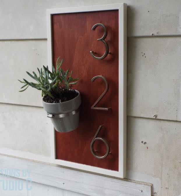 Free plans to build an Address Sign.