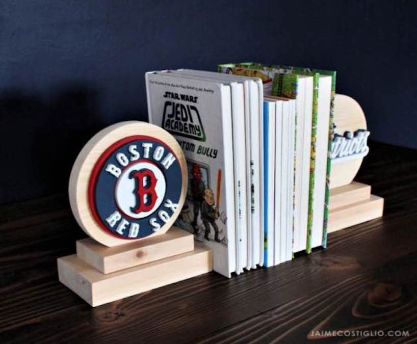 Build Bookends on the Scroll Saw with free plans.