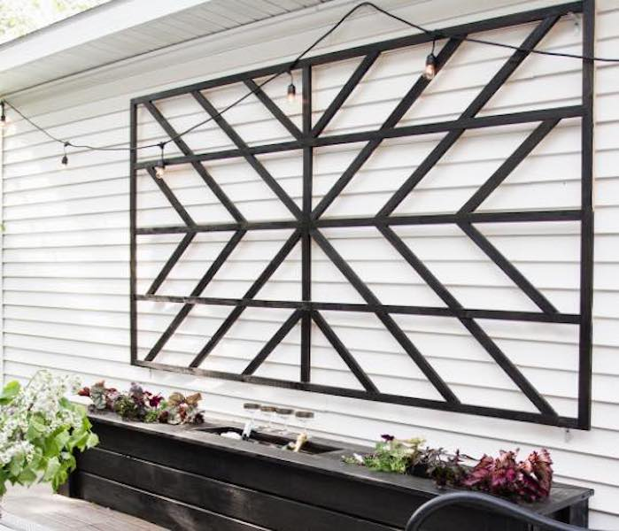 Free plans to build a Starburst Trellis.